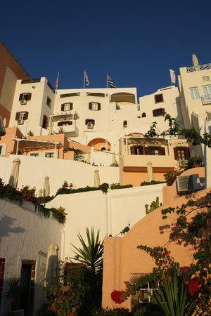 Hotel Kavalari: View of the hotel from the lowest level