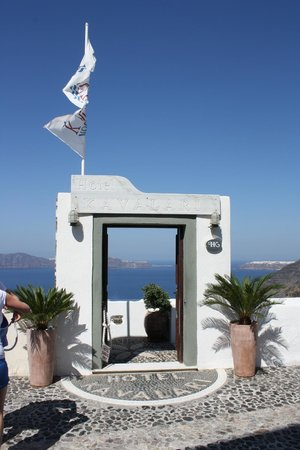 Hotel Kavalari: Entrance to the hotel