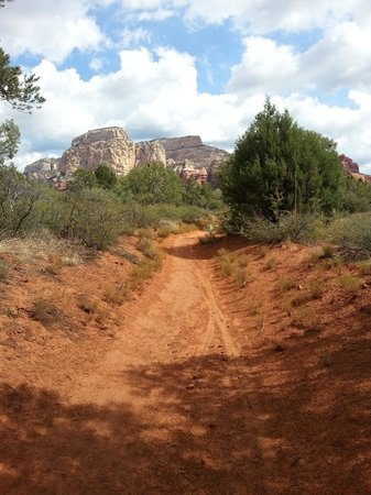 Lost Canyon Trail: Beginning of trail