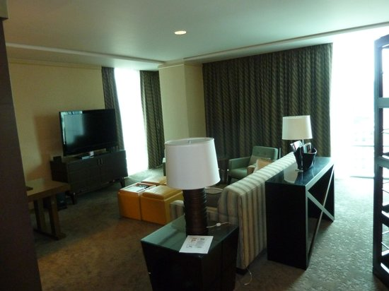 Fairmont Pittsburgh: Living room