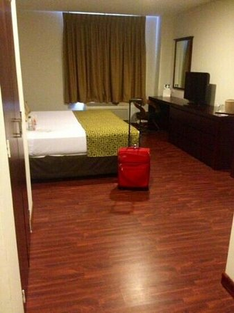 GH Guaparo Inn: Suite amplia y nice
