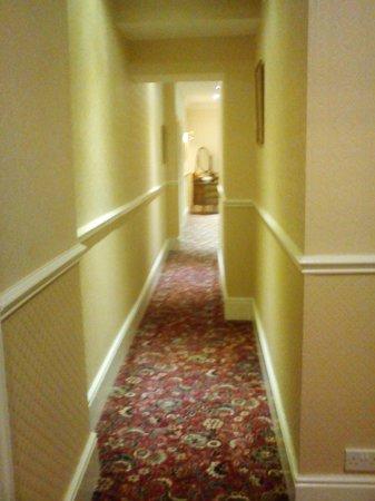 The Kensington Hotel : Corridor