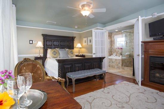 Bayfront Marin House Historic Inn: The Princess Margaret is a romantic retreat.