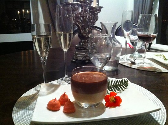 Black Swan Lakeside Boutique Hotel: Chocolate mousse
