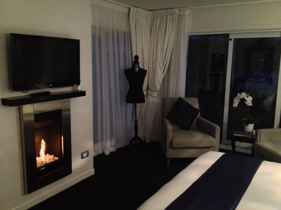 Black Swan Lakeside Boutique Hotel: Beautiful stylish room