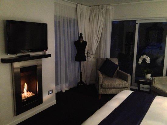 Black Swan Lakeside Boutique Hotel: Beautiful stylish room