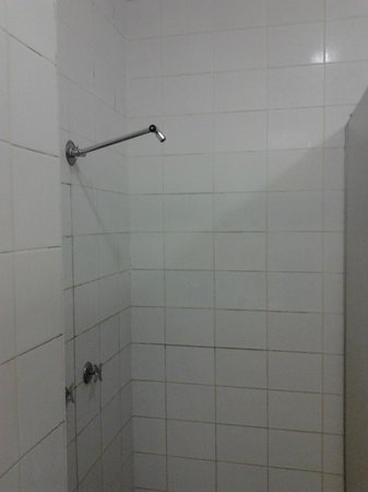 Elephant Backpacker : Broken Shower (one of many)