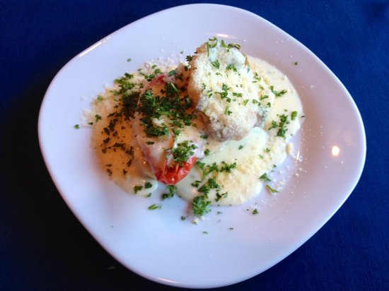 Moroldo's Fine Italian Restaurant: Peppers with Gorgonzola appetizer