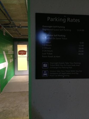 Residence Inn Arlington Capital View: 24$ for parking is ridiculous to park yourself