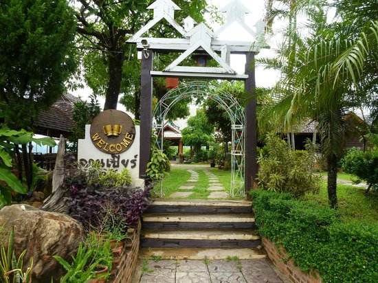 Chomphu Phukha Corner Resort : The Restaurant