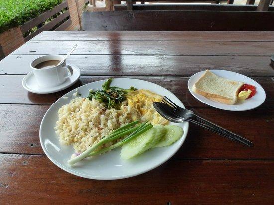Chomphu Phukha Corner Resort : Included Breakfast