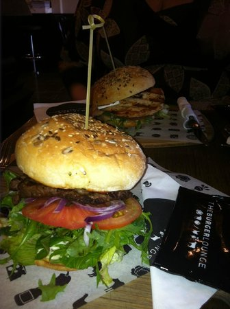 Burger Lounge: Classic beef with blue cheese, classic chicken in background