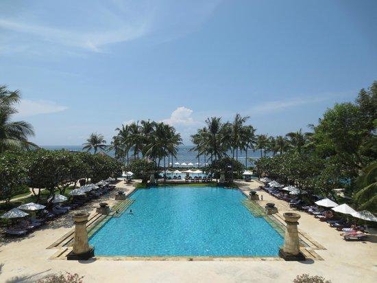 Conrad Bali: main pool
