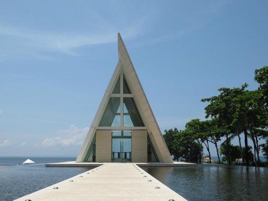 Conrad Bali: wedding chapel