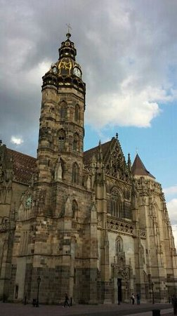 Catedral de Santa Isabel: St. Elizabeth Cathedral