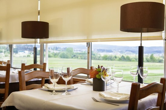 Agueda, Portugalia: Overview of the dining room