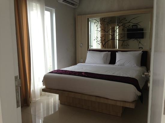 Paradise Loft Villas Jimbaran: master bedroom