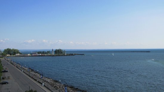 Hostel Buffalo-Niagara: Lake Erie as seen from observation tower at the Erie Canal Harbor