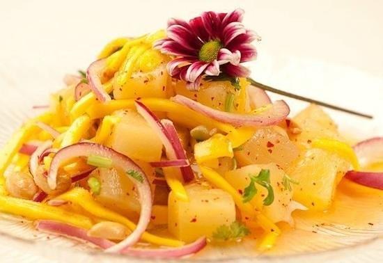 Bangkok Thai Cuisine: pineapple salad