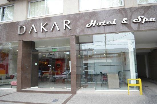 Dakar Hotel & Spa: FRENTE HOTEL..