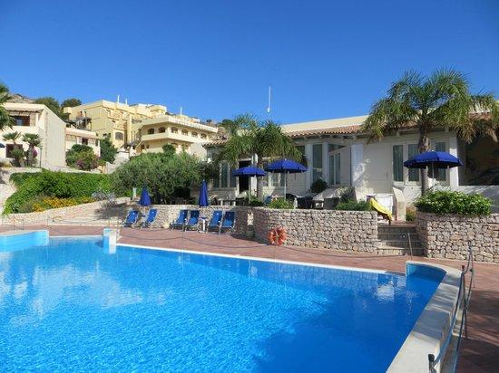 Hotel / Villaggio Cala Mancina: camere