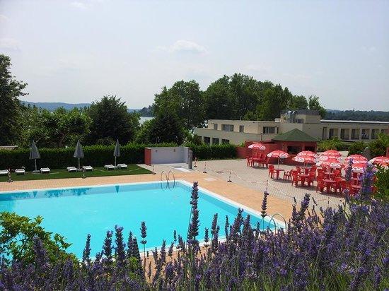 Hotel Sunset : piscina vista dal alto