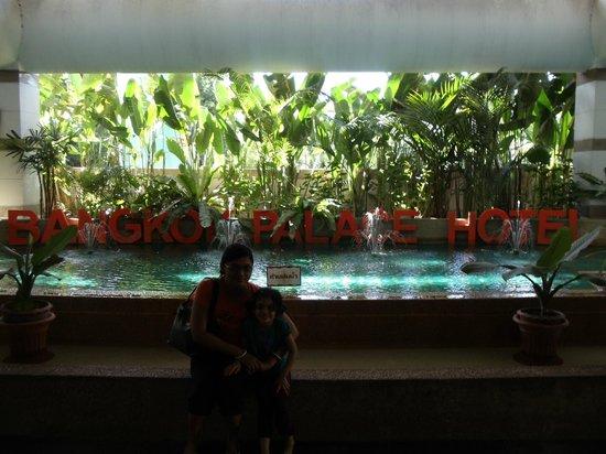Bangkok Palace Hotel : main entrance