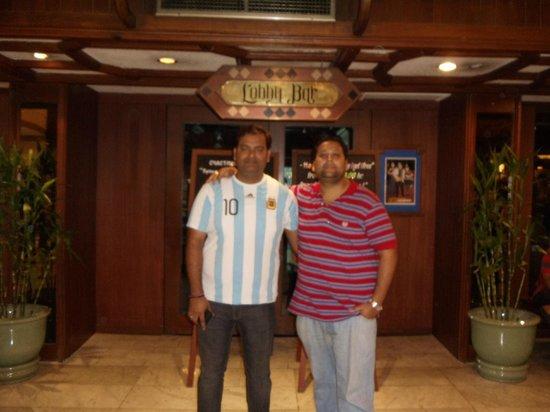 Bangkok Palace Hotel : bar area