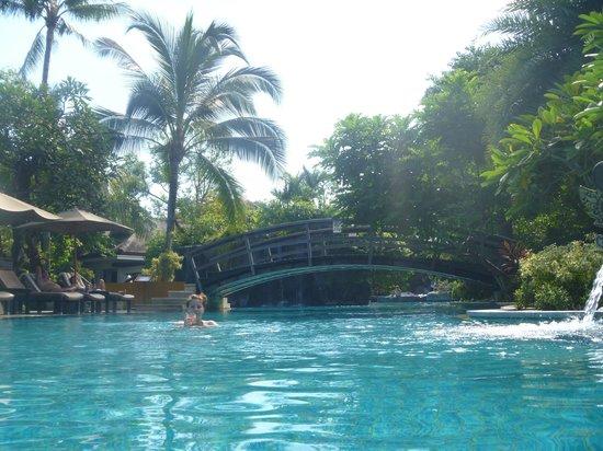 Padma Resort Legian: Lagoon pool, amazinggggg