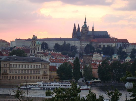 Le soir picture of hotel leonardo prague prague for Design hotel jewel prague tripadvisor