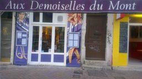 Aux Demoiselles Du Mont