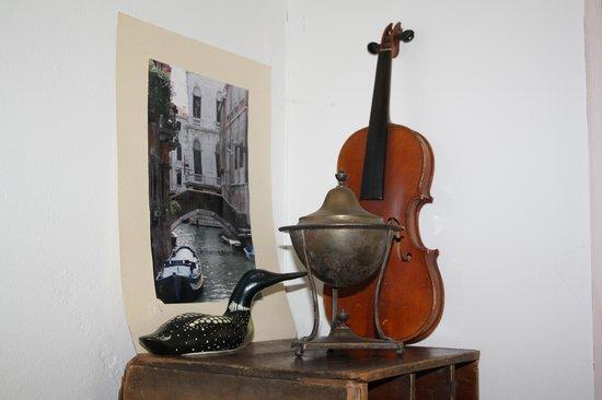 B&B Hotel Albertine: Eksempel på dekoration med de gamle ting i nye omgivelser