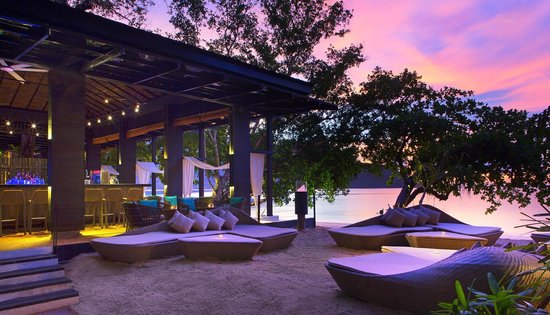The Andaman, A Luxury Collection Resort: Beach Bar