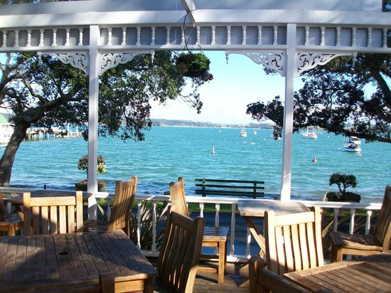 Duke of Marlborough Hotel: View from front deck