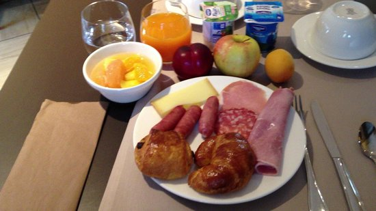Hotel Henry II Beaune Centre: 朝食