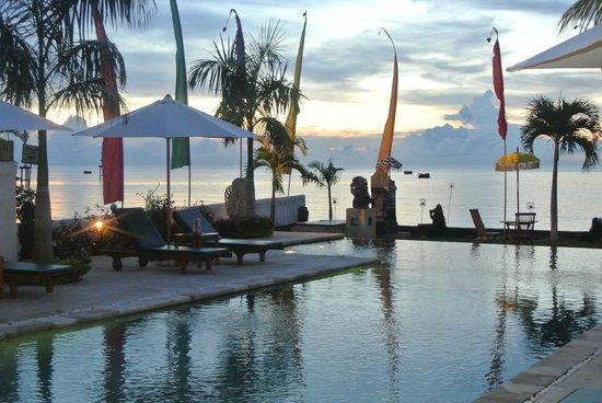 Kelapa Lovina Beach Villas Bar & Resto: View was amazing