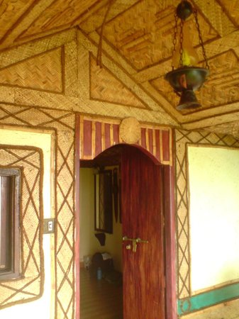 Blue Mermaid Homestay: wickerwork canopy of the cottage