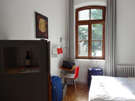 Hopper Hotel et cetera: Our room