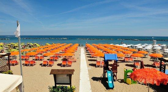 spiaggia 31 - foto di hotel venus, gabicce mare - tripadvisor - Bagno Zen Gabicce Mare