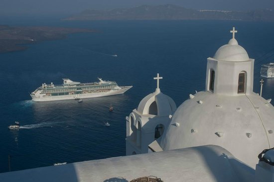 Aigialos Hotel: morning view from the verandah