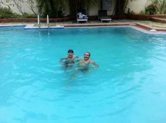 Mamalla Beach Resort : cool dip in the pool