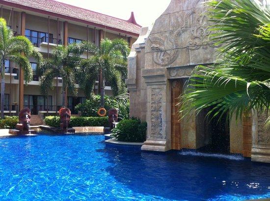Pullman Sanya Yalong Bay Villas & Resort : swimmingpool