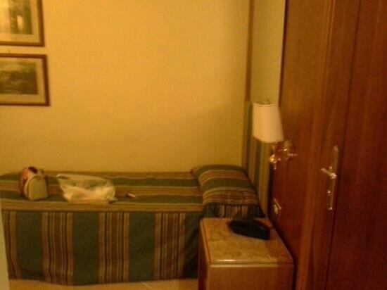 Hotel Archimede : комната в отеле.