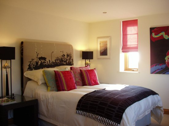Sunswept Bed and Breakfast: Beautifully furnished rooms.