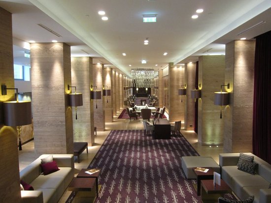 Metropol Palace, A Luxury Collection Hotel: Lobby