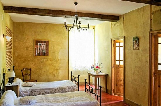 A Labeyrie : Chambre sienne