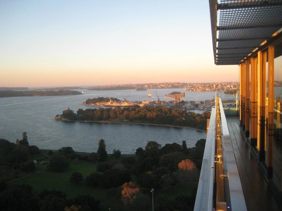 InterContinental Sydney: A sunny winter day outside the Club Lounge on level 31!