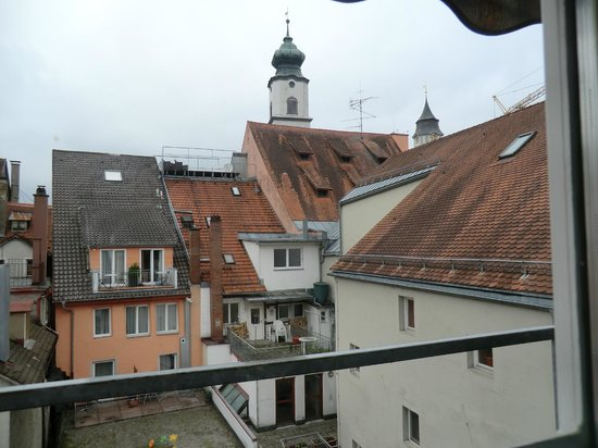 Hotel-Garni Brugger: vista dalla camera sui tetti di Lindau