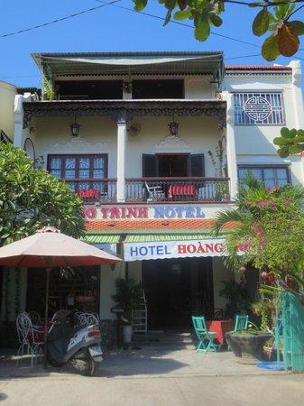 Hoang Trinh Hotel: Hoang Trinh von außen