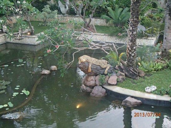 Padma Resort Legian: View at breakfast
